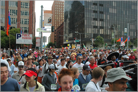 The tremendous crowd at Bay to Breakers 2005.